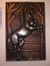 Caballo Negro tallado en madera