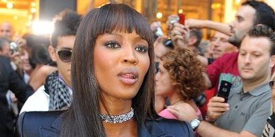 Naomi Campbell hará labores de caridad