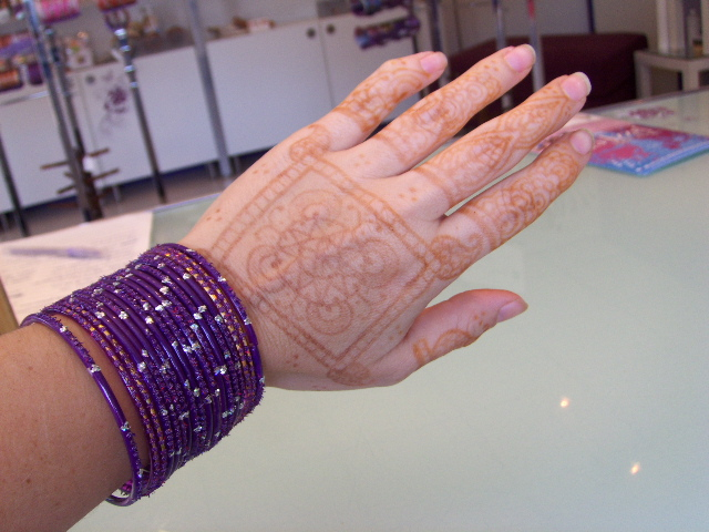 Beachcombers bazaar henna studio and supply life of a for Do tattoos on hands fade