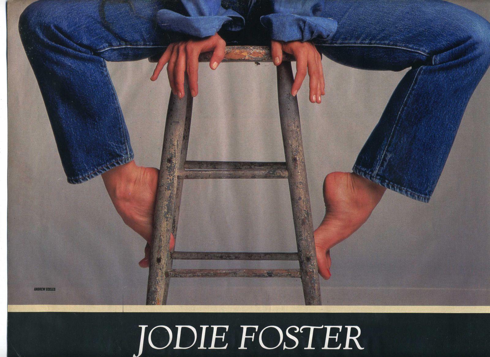 http://1.bp.blogspot.com/_Hk6oFYF-OZM/TT9Go0MJexI/AAAAAAAAAvw/lHVF2tSU5BM/s1600/14934_Jodie_Foster068_122_1117lo.jpg