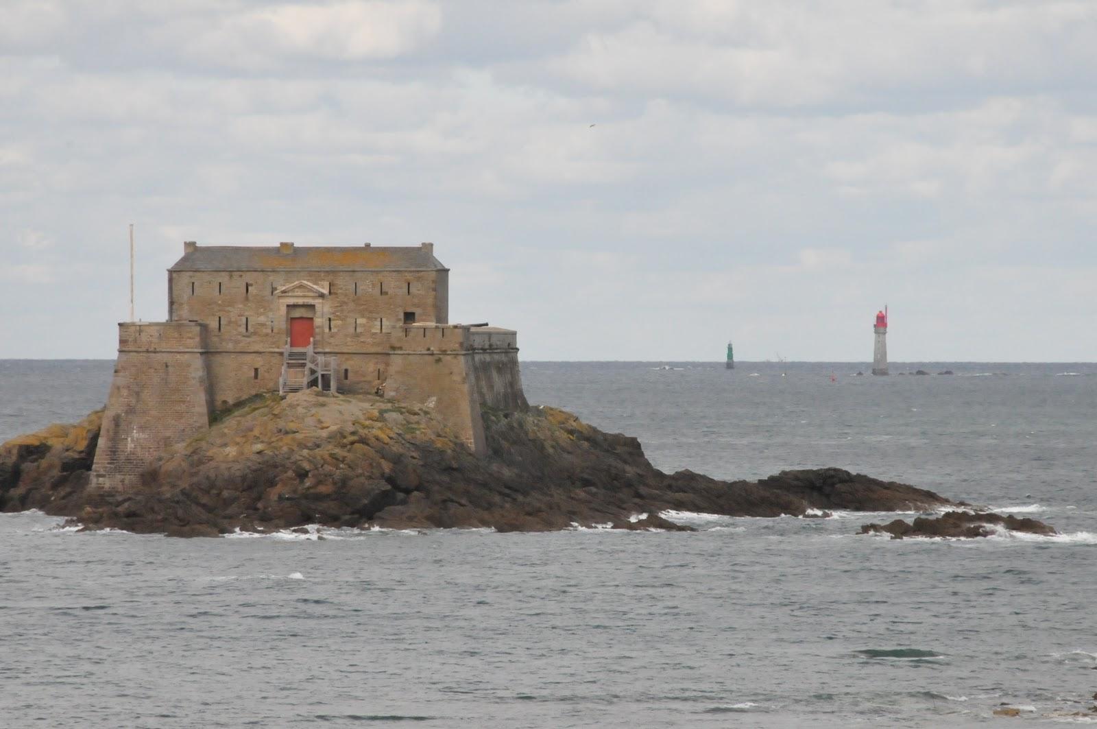 La Marcophilie navale  BH LAPEROUSE Un dimanche à SaintMalo ~ Le Petit Bois St Malo