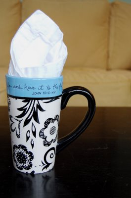 [black+white+and+blue+coffee+mug]
