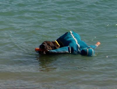 Robin Leonberg en sauvetage aquatique, rapport du mannequin