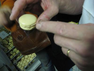 Macaron tops