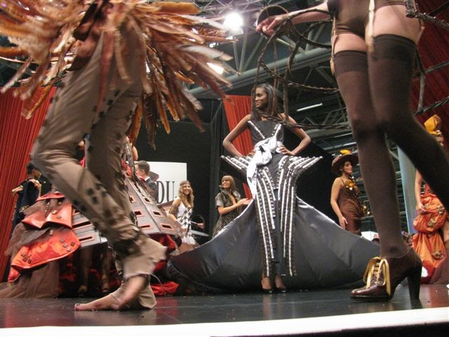 Paris breakfasts salon du chocolat 2009 fashions - Salon du chocolat rodez ...