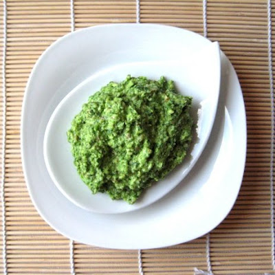 parsley almond pesto