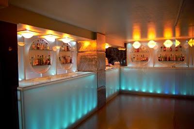 Madrid noche bar de copas birra - Decoracion de bares de copas ...