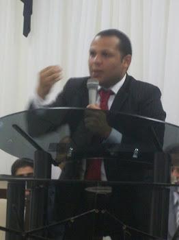 """""""Um culto marcado pela Refelxão e Unção"""""""
