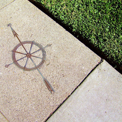 compass+in+the+sidewalk South Pas Up Close #8  photo