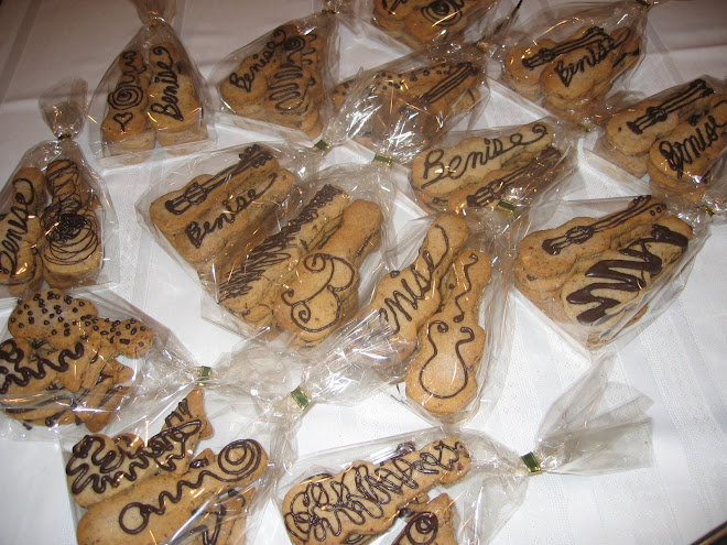 Benise Guitar Cookies Pre-Fru-Fru