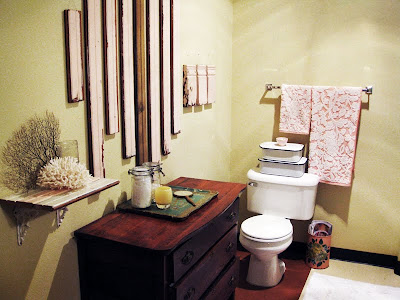 Site Blogspot  Bath Room Decor on Bathroom Decor Complete  Salvaged Bead Board   Antique Elements