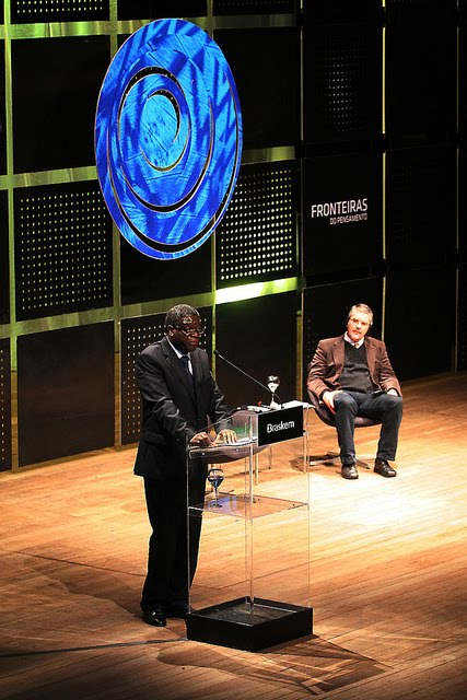 Dr. Mukwege breaks the silence in Porto Alegre by FRONTEIRAS DO PENSAMENTO