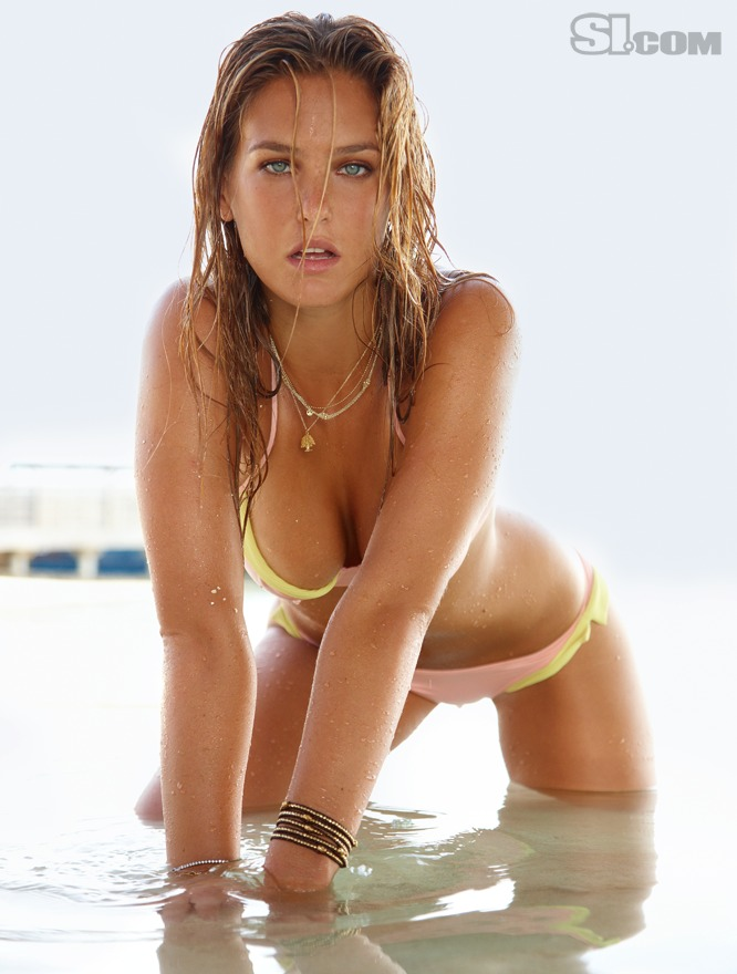 bar refaeli wallpapers. Bar Refaeli Bikini 2010