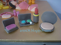 Make-up kits from gum paste