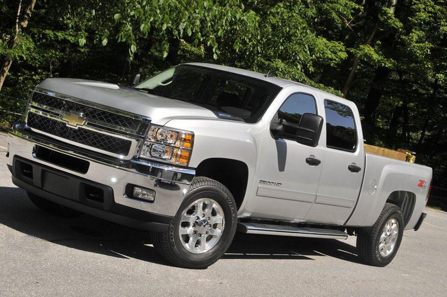 chevrolet gmc heavy duty trucks reviews test drives. Black Bedroom Furniture Sets. Home Design Ideas