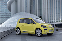 veeup000 2013 Volkswagen E Up city car earmarked for select U.S. markets.
