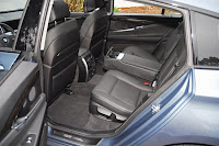 2010BMW550iGTRearSeats001small 2010 BMW 550i GT Review & Test Drive