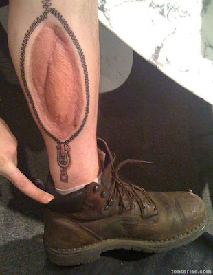tatuajes marinos. heridas aprovechadas para realizar tatuajes - cremalleras - piernas - botas