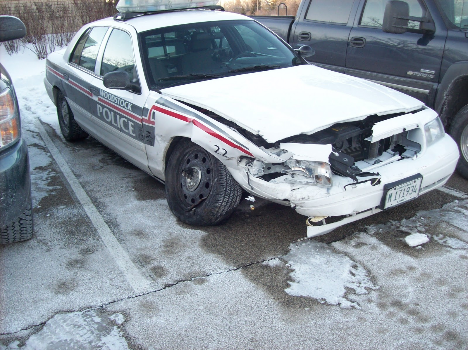 Woodstock Advocate Woodstock Police Car Was It Hit Or Did It Hit