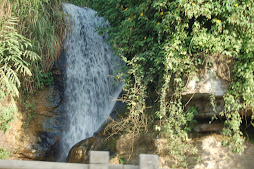 road side waterfall