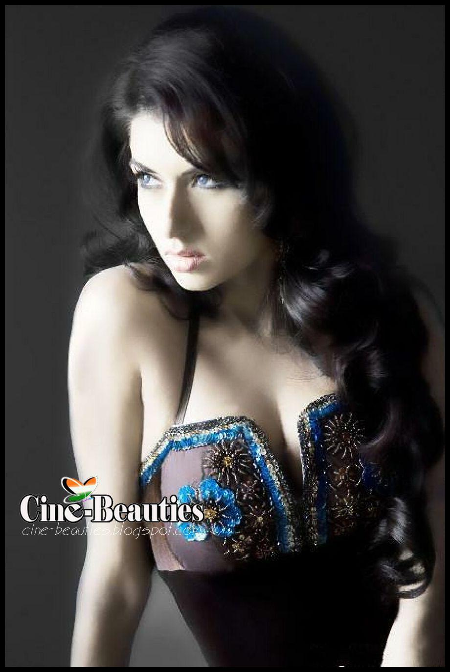 Nude Bhagyashree Hot