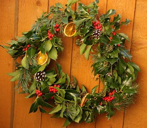 It's perfectly possible to make Christmas wreaths :)
