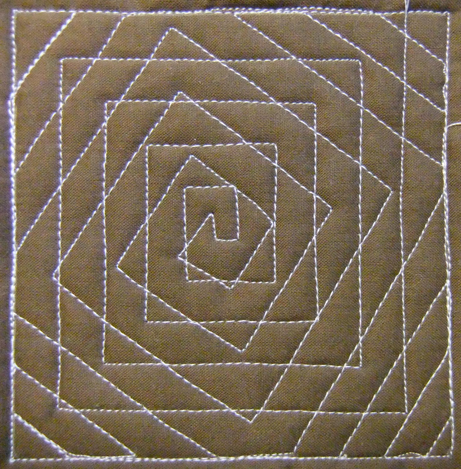 Free Motion Quilting Designs Easy : The Free Motion Quilting Project: Day 204 - Spiral Illusion