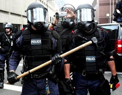 riot+cops+rnc.jpg