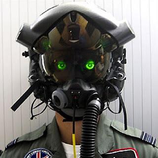 http://1.bp.blogspot.com/_HyyDHyAwI6k/TFcjtmEVzII/AAAAAAAAJ9w/5JOp1w_ZzjQ/s400/f-35+helmet.jpg
