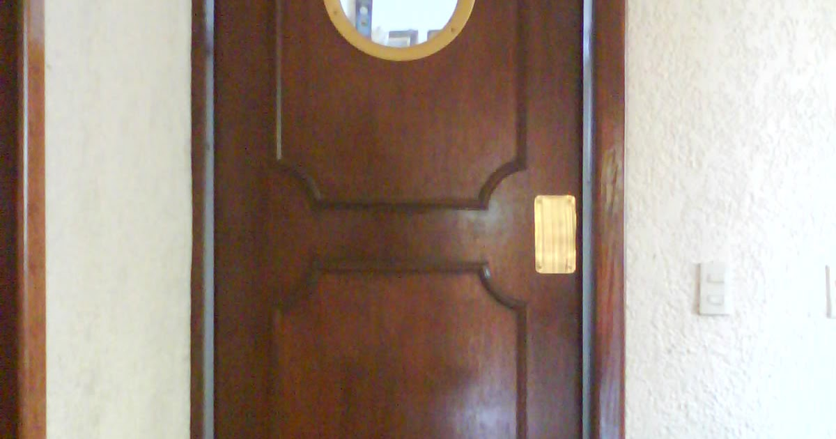 Carpinteria salas puerta cocina for Puertas vaiven para cocina