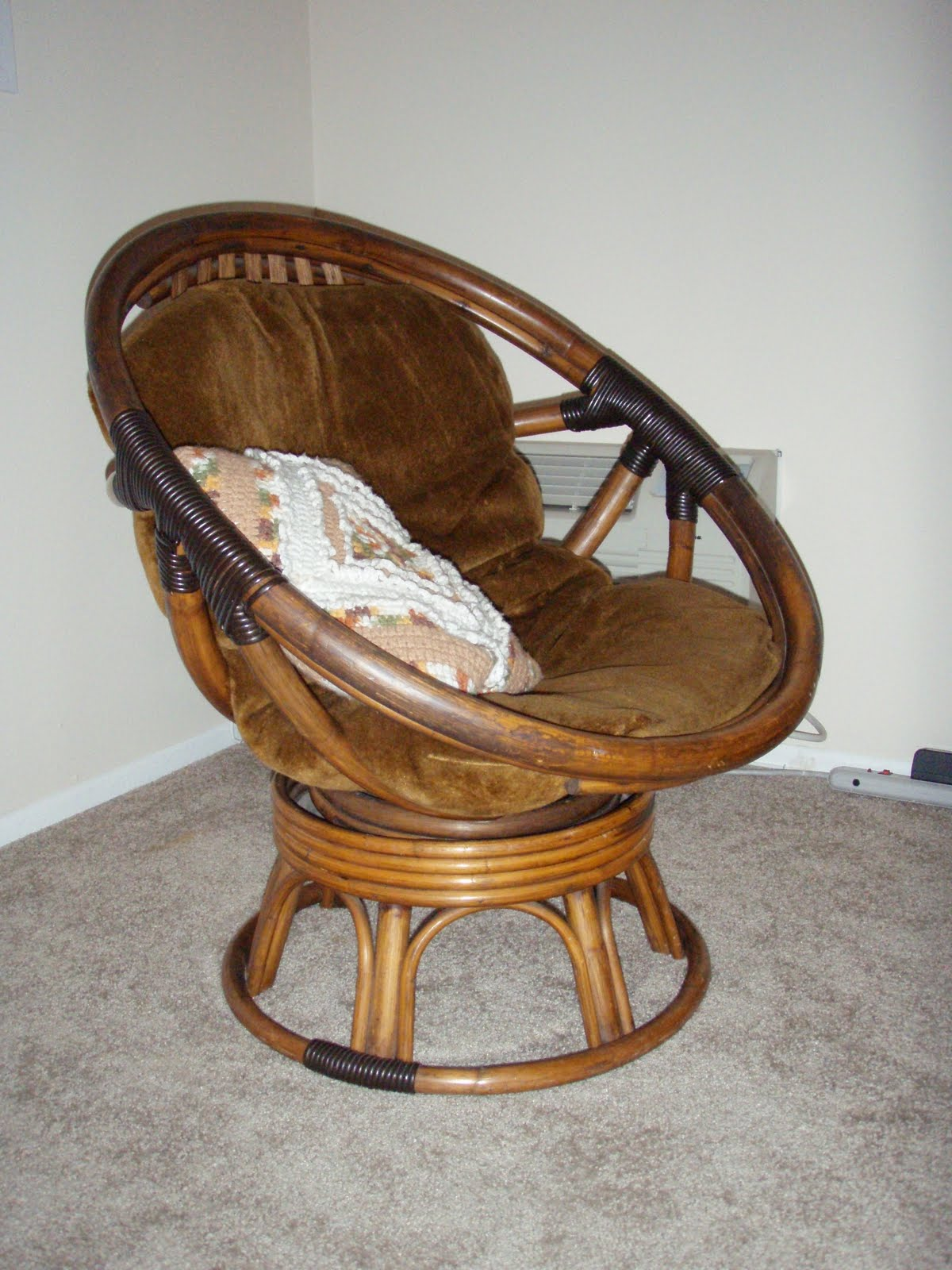 Papasan Swivel Chair Cushion Viewing Gallery