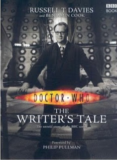 Book cover of Doctor Who: The Writer's Tale - Russell T Davies & Benjamin Cook