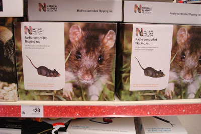 Remote-controlled flipping rat