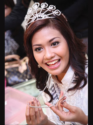 Putri Raemawasti Putri Indonesia 2007