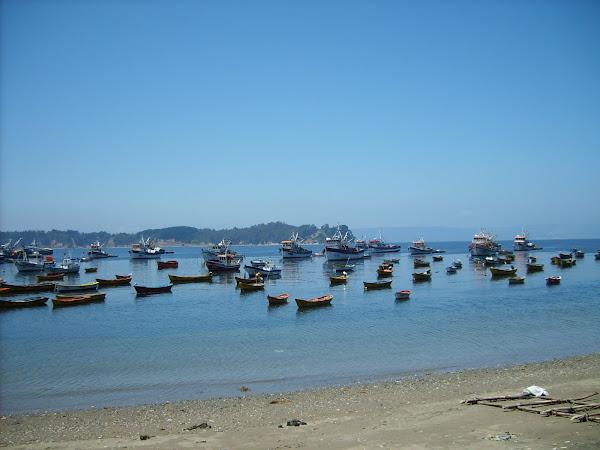 botes en Caleta Tumbes