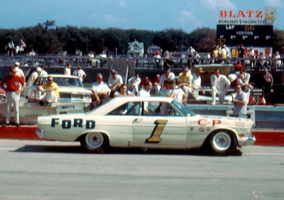 National Association  Stock  Auto Racing Racing on Late Model Stock Car Race At The Milwaukee Mile On September 15  1963
