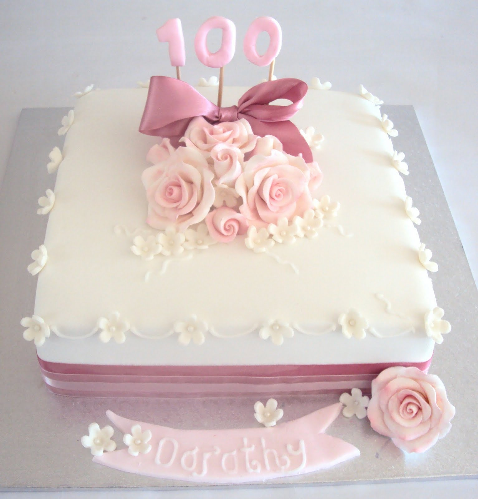Flutterbye Cakes 100th Birthday
