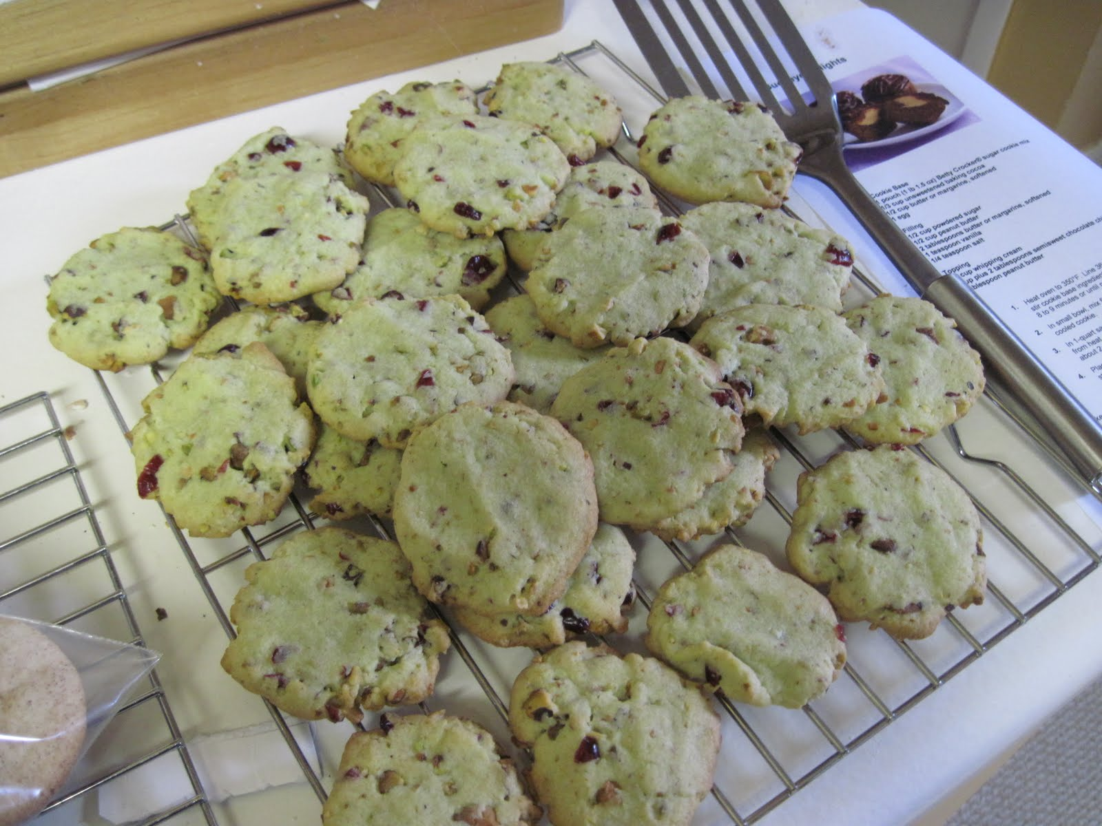 A modern housewife cran pistachio cookies for Modern housewife