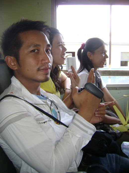 ครูคณิตร่วมท่องเที่ยวไปกับคณะครูโรงเรียนบ้านหนองปรือกันยาง ( ที่กาญจนบุรี )ค่ะ