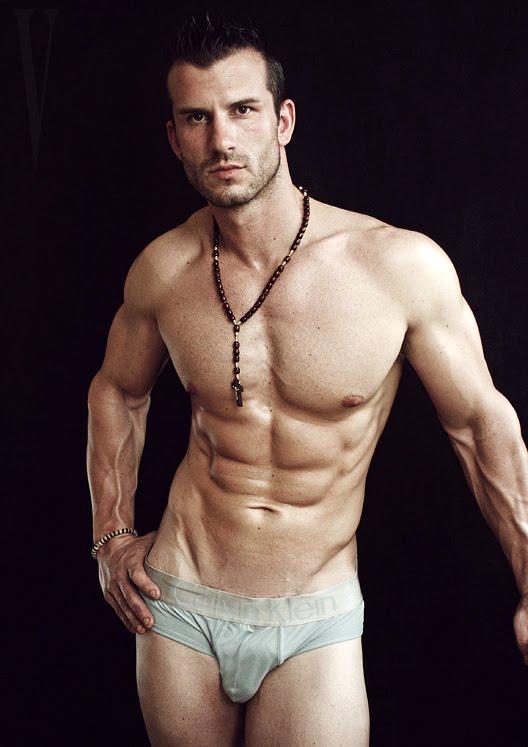 Los mejores desnudos masculinos del cine español -