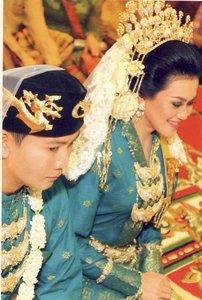 Foto Pakaian Adat Melayu Riau