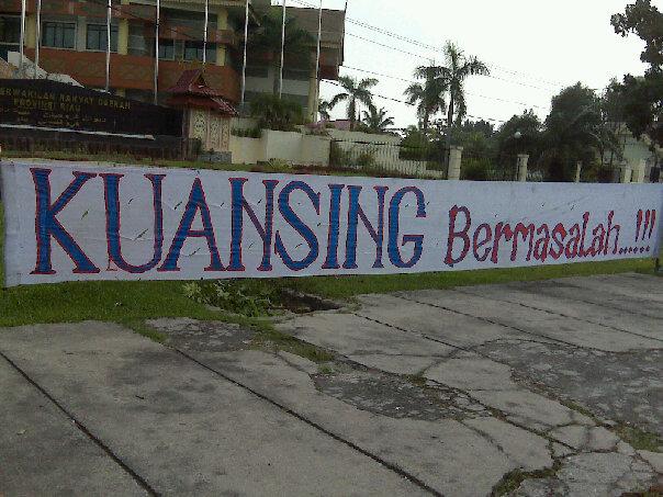 Demonstran Kuansing Diamuk Preman