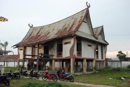 Rumah Rupa Lontiak