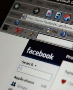 Clickjacking, Worm Posting Pesan di Wall Facebook, Ribuan Facebooker Kena Serangan 'Clickjacking'