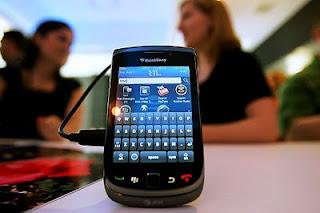 Harga & Spesifikasi BlackBerry Torch 9800