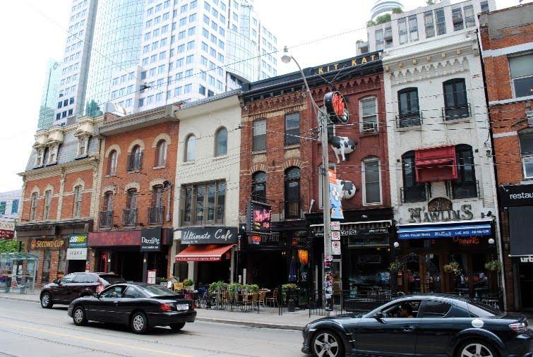 Toronto_AlexWalkKingStreet1875.jpg