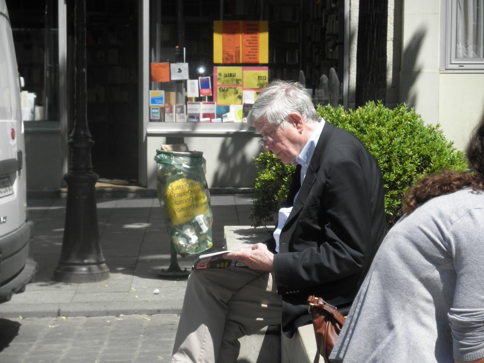 http://1.bp.blogspot.com/_IBYlXoYPWHs/TJOgty2UdqI/AAAAAAAAFO0/5L1HgJh_e-8/s1600/Paris+093.jpg