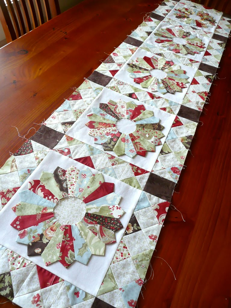 Bloom How To Cut Dresden Plate Wedges From 5 Quot Charm Squares