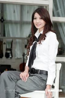 吳亞馨, 高挑美女的大瞻照片