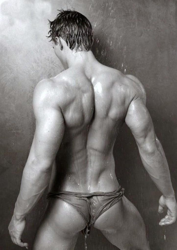 Мускулистые голые парни hd
